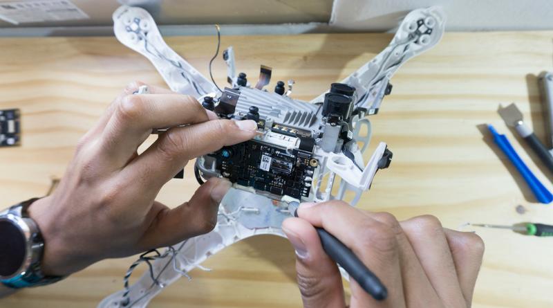 A influência do celular nos drones.